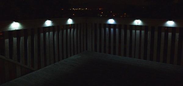deck_light_on_web